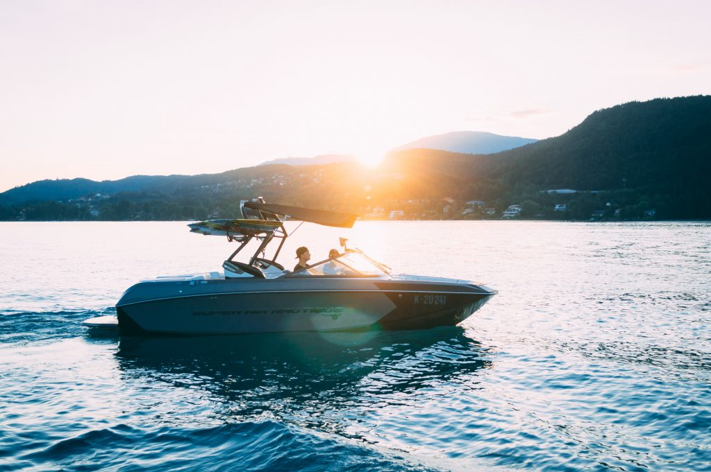 What Type of Boat is Best For Lake Use?